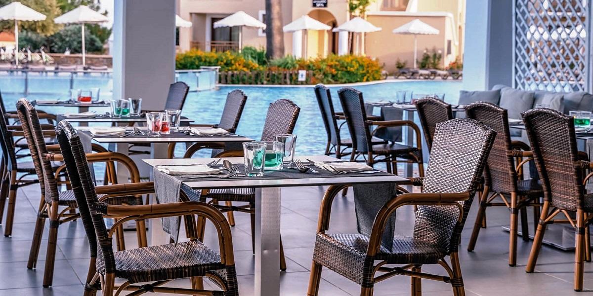 https://todcdn.azureedge.net/hotelimage/package/slider/lindos-impeial-dining-20.jpg